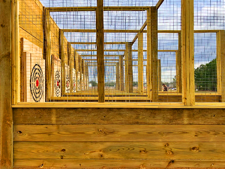 Axe Throwing Cage (4)