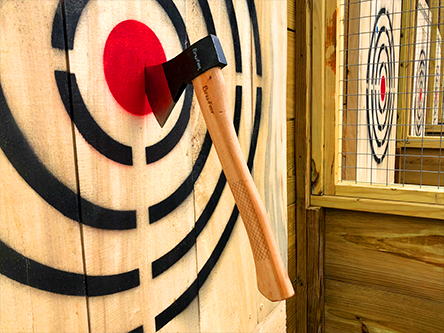 Axe Throwing Cage (3)